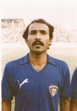 نجم الكرة الكويتية عبد العزيز العنبري
